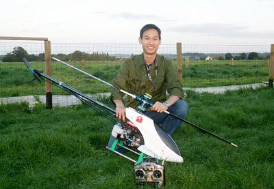 Chàng trai trẻ Phạm Gia Vinh và đam mê chế tạo máy bay không người lái